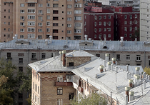 Кровлю на московских домах могут заменить из-за участившихся гроз