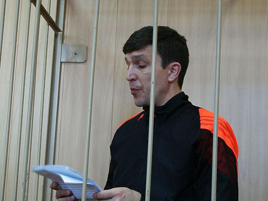 Начальника томского УБЭП Константина Савченко, арестованного за взятку, оставили под стражей