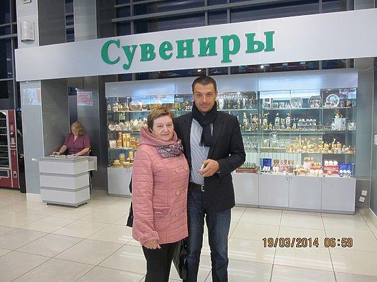 Мэр Томска Иван Кляйн поблагодарил томичку Людмилу Парикожа за воспитание сына