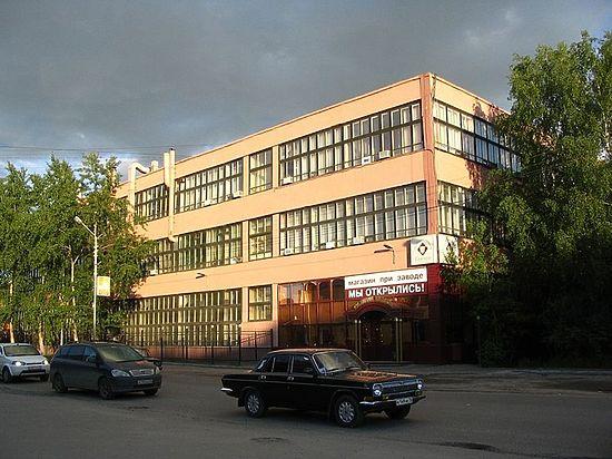 Землю и здания бывшего винно-водочного завода в Томске в очередной раз скупают всем известные люди