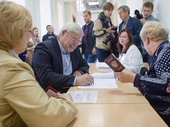 Почти все кандидаты на пост губернатора собрали необходимые подписи