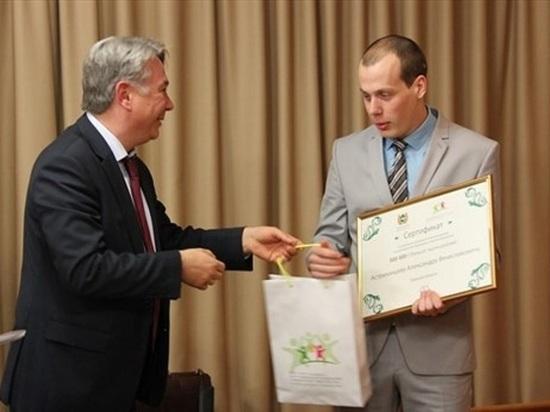 С томского участника программы «Земский доктор»  сверху взяли 149 000 рублей