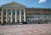 Начальник контрактной службы ТУСУра получил взятку в размере 770 тысяч рублей