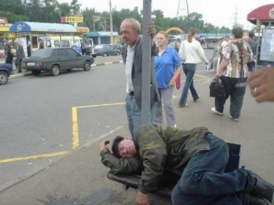 Группа экстремистов нападала на граждан Томска ивыкладывала видео винтернет